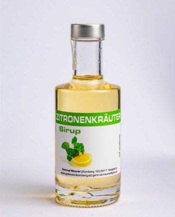Zitronenkräuter Sirup - erfrischende Ergänzung zu Prosecco, Weißwein, reinem Quellwasser, Mineralwasser, aber auch zum Aromatisieren von Tee, Eis, Parfaits und Toren © 2019 Werner Krug